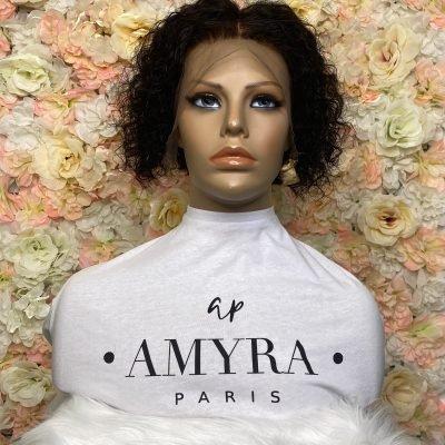 Anika – Perruque Bouclée Lace Frontal