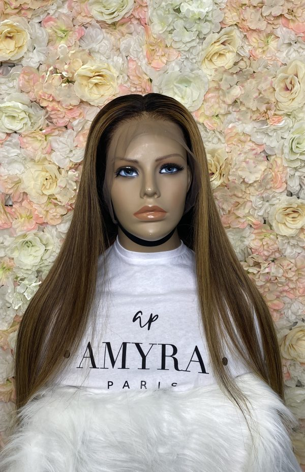 kamelia-perruque-lace-frontal-lisse-caramel-highlight
